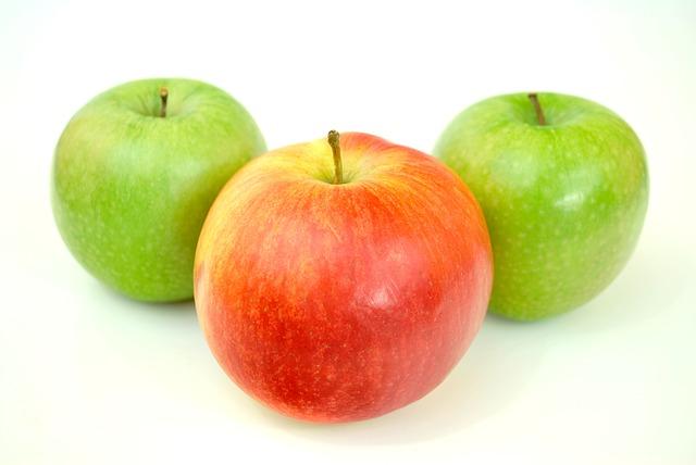 tři jablka