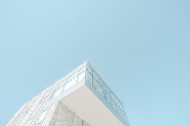 moderná stavba
